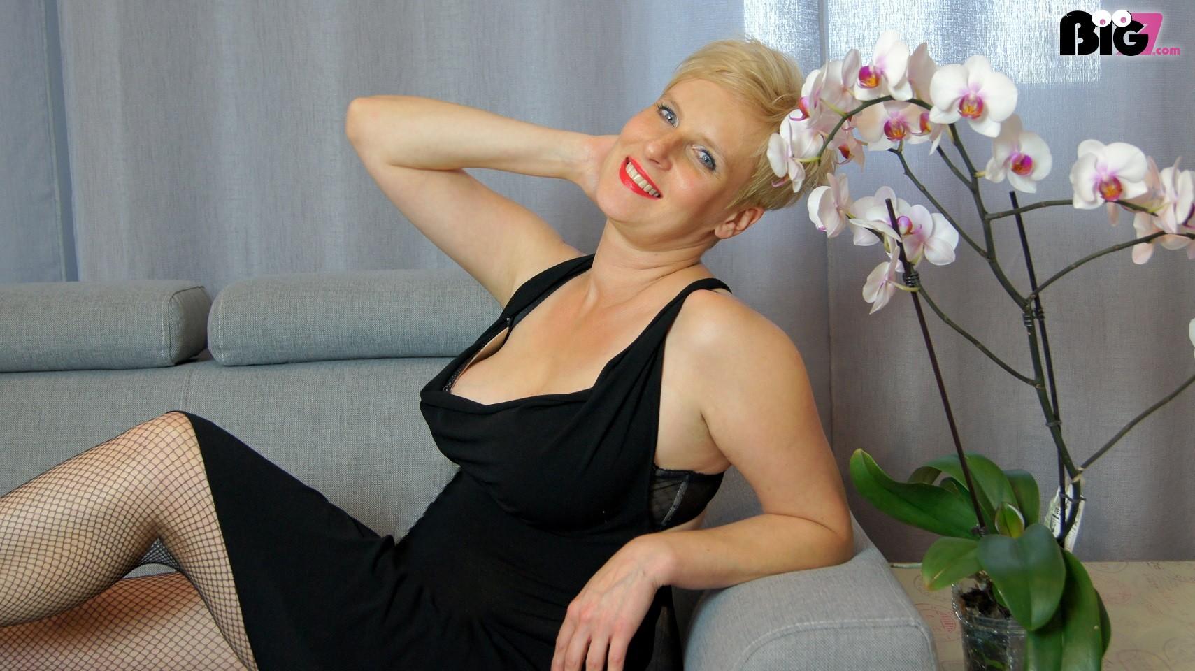 Смотреть фотки зрелых женщин бесплатно, Порно фото мам, зрелых женщин 29 фотография
